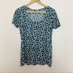 Urban Outfitters Black and White Daisy Top